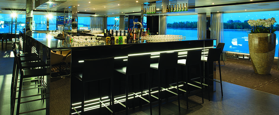 Horizon Bar and Lounge