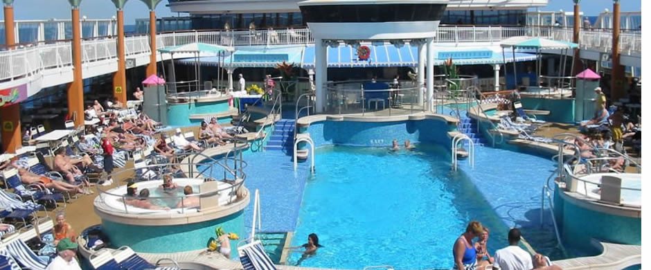 NCL Norwegian Dawn Swimming Pool