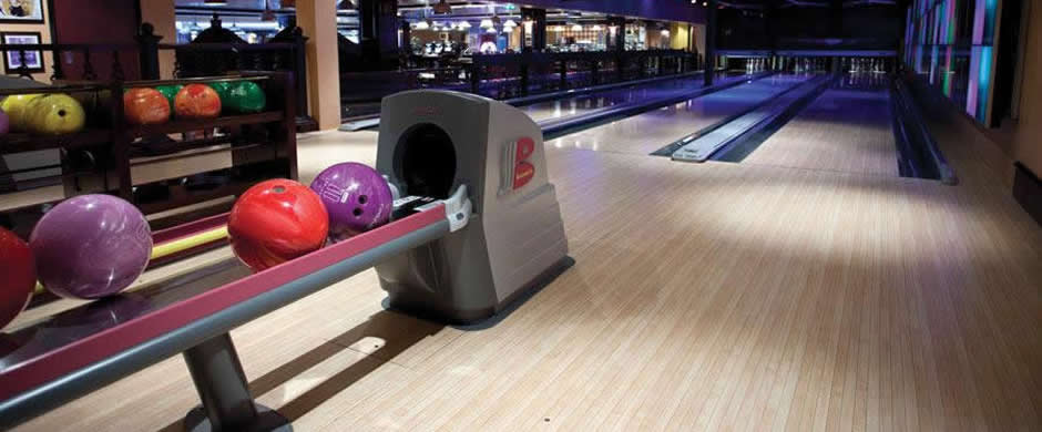 NCL Norwegian Epic Bowling Alley
