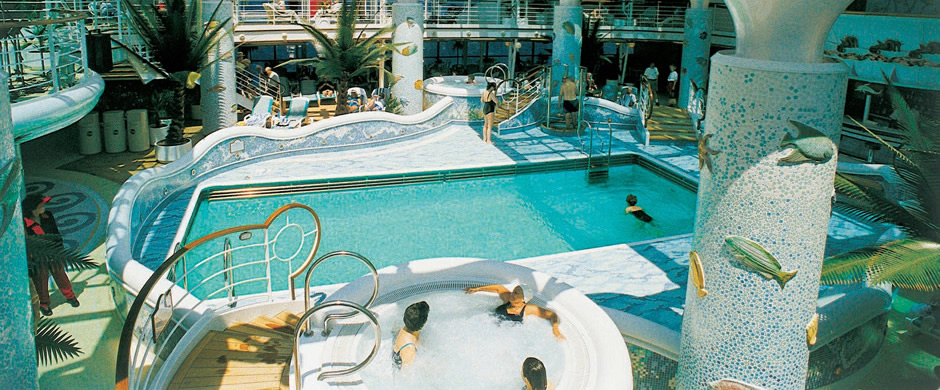 Grand Princess Pool Area