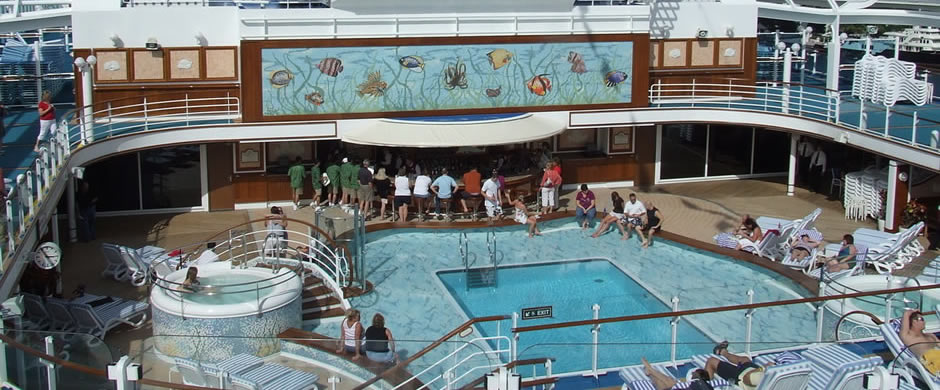 Ruby Princess Pool Area