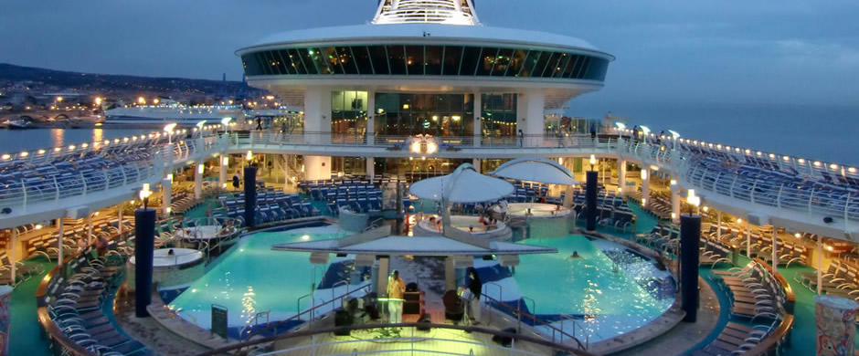 Royal Caribbean Adventure of the Seas Swimming Pool