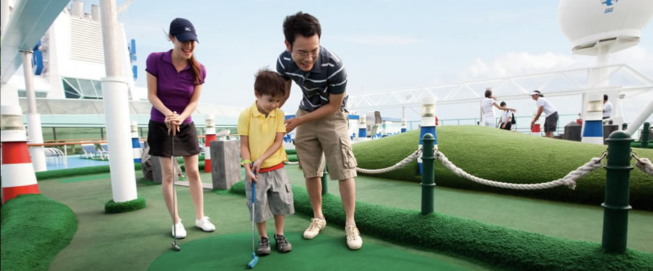 Royal Caribbean Legend of the Seas Putting Green