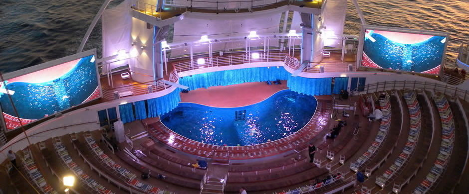 Royal Caribbean Oasis of the Seas Outdoor Theatre