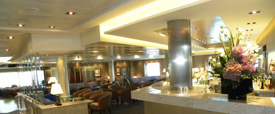 Seabourn Sojourn Bar and Lounge