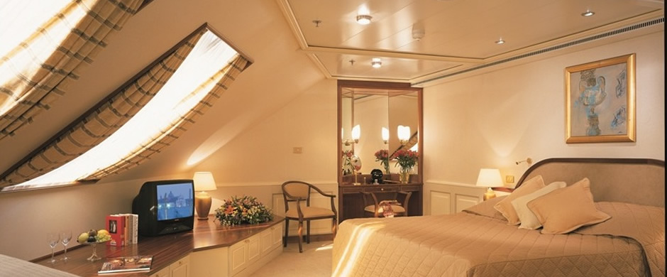Silver Whisper Royal Suite