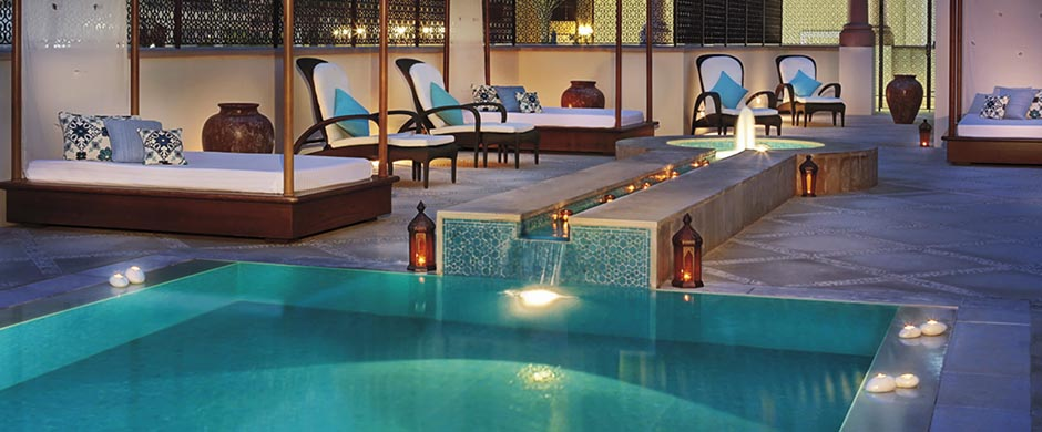 Ritz Carlton, Dubai - Atlantis Travel