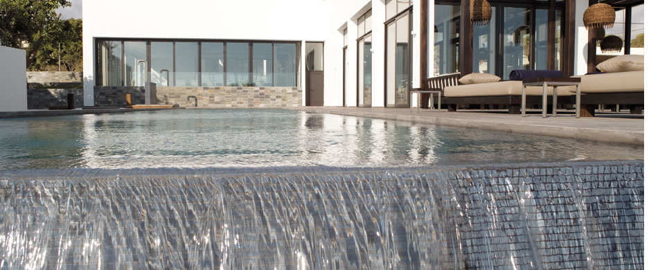 resort_images/111/AlmyraSpaOutdoorPool.jpg