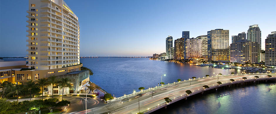 resort_images/292/miami-exterior-to-downtown-via-brickell-key-bridge.jpg