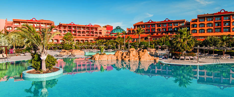 resort_images/401/Fuert_sheraton_exterior+pool3.jpg